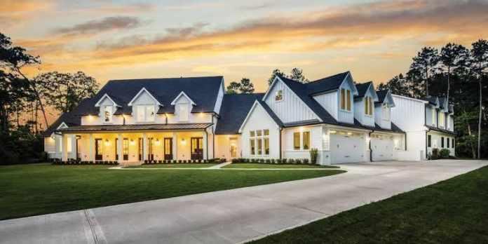 Hire a Custom Home Builder
